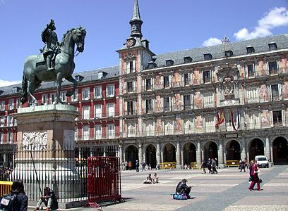 external image Madrid_plaza_mayor.jpg