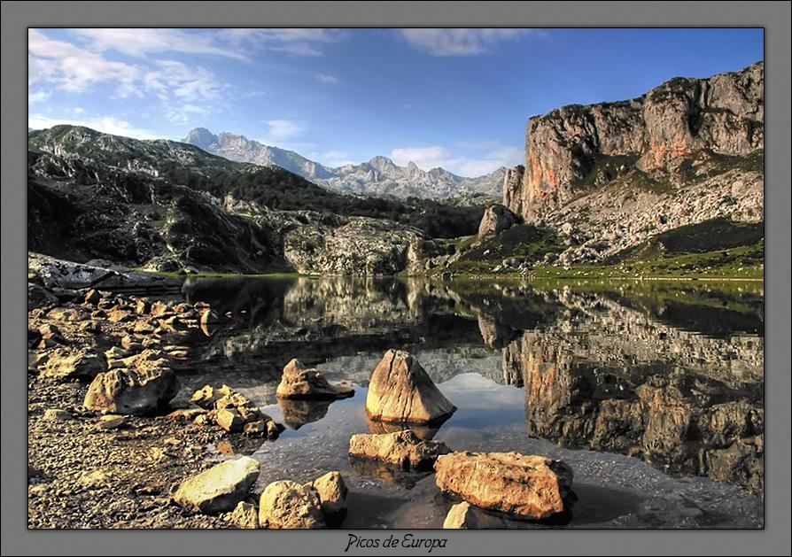 http://www.spainviajes.com/images/Picos_europa.jpg